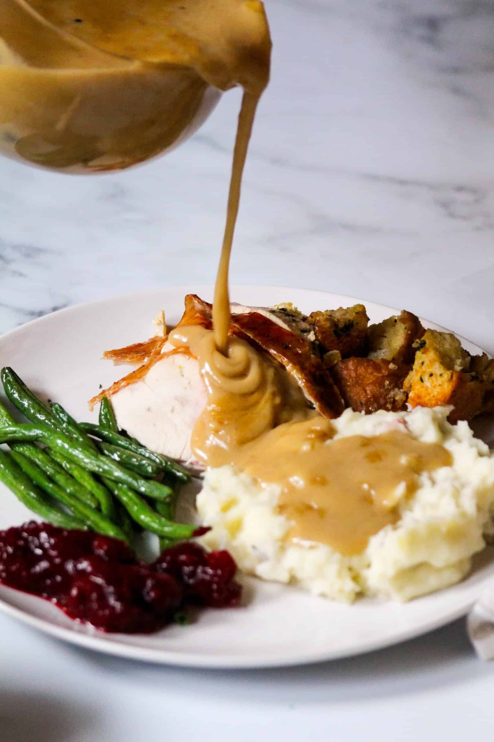 How to Make Gravy from Turkey Pan Drippings